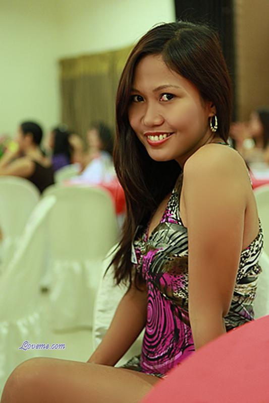 Filipina Dating Foreigners: Why Do Filipinas Look For Foreigner Husband and Where To Find One?